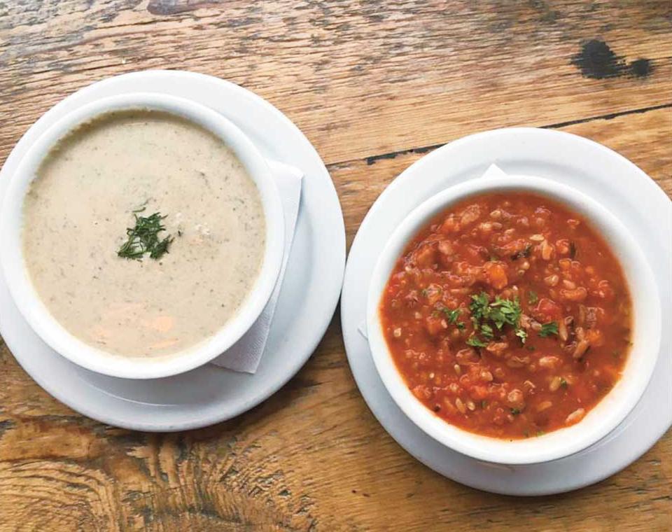 左:Creamy Mushroom 右:Tomato Wild Rice Soup