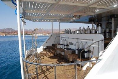 dive deck (1024x685)