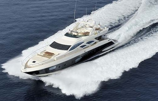 02-Azimut-Leonardo-98-Bird-View-Bow-Running
