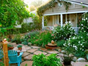 Original_Grace-Design-Associates-Front-Yard-Courtyard_s4x3.jpg.rend.hgtvcom.616.462