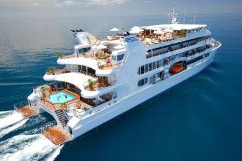 catamaran-cruise-ship
