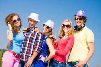 4163631_stock-photo-group-of-young-people-wearing-sunglasses-and-hat