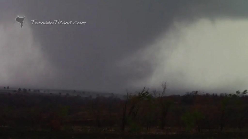 November 7, 2011 Storm Chase   Saddle Mountain Tornado in SW OK