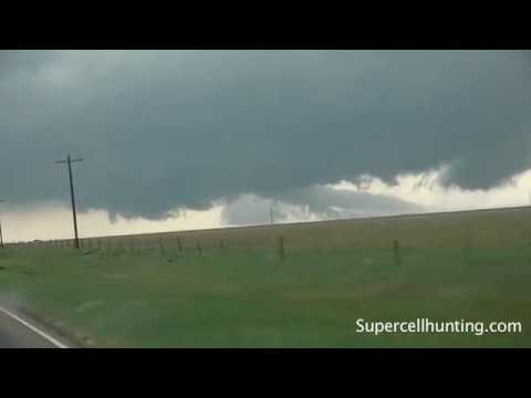 May 18, 2010 Storm Chase | Storm Forms and Drops a Tornado in The Texas Panhandle