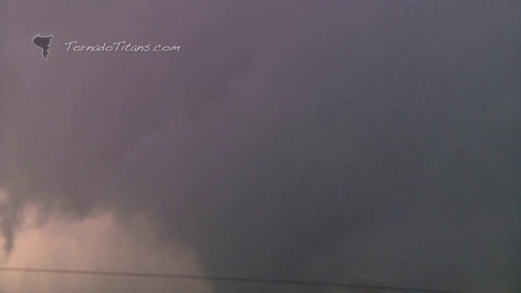 November 7, 2011 Storm Chase   Saddle Mountain, OK Large Tornado