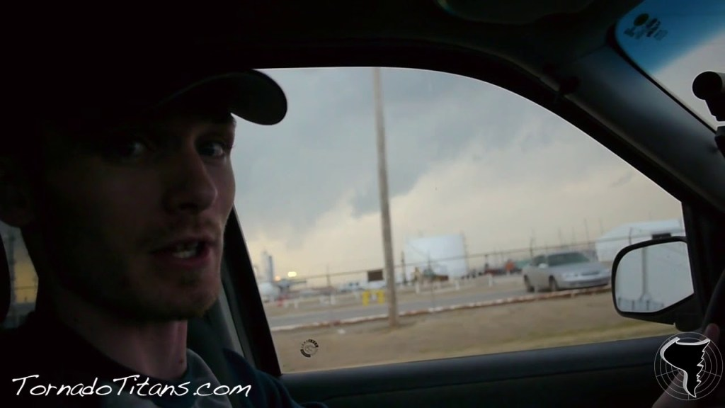 February 27, 2011 Storm Chase | Taking in a Supercell in the Early Season in NC OK