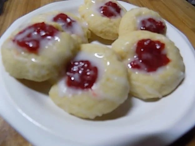 lemon-glazed-strawberry-thumb-print-cookies-5