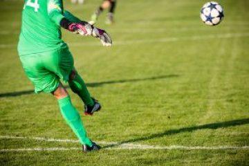 calciatore palla