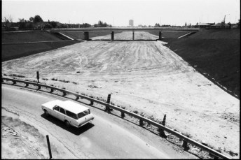 Spadina Expressway (Allan Road) after construction halted, seen from Lawrence Avenue. Photo by Reed. May 27, 1969. York University Libraries, Clara Thomas Archives and Special Collections, Toronto Telegram fonds, ASC04392.