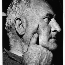 Nick Mikloshev, 63, speaking at Lansdowne Theatre calling out striker who hit him with the brick. Ray McFadden. June 14, 1961. York University Libraries, Clara Thomas Archives and Special Collections, Toronto Telegram fonds, ASC52999.