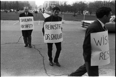 Local 183 men picketing outside the Queen's Park Legislative building. Photo by Pete Gedes. April 10, 1967. York University Libraries, Clara Thomas Archives and Special Collections, Toronto Telegram fonds, ASC49234.