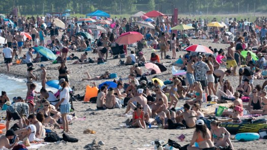 Covidiots at Ontario beaches