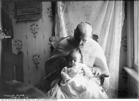 Baby Dorothy Clemmer - 330 Manning Avenue (Toronto Archive Fonds 200, Series 372, Subseries 32, Item 408)