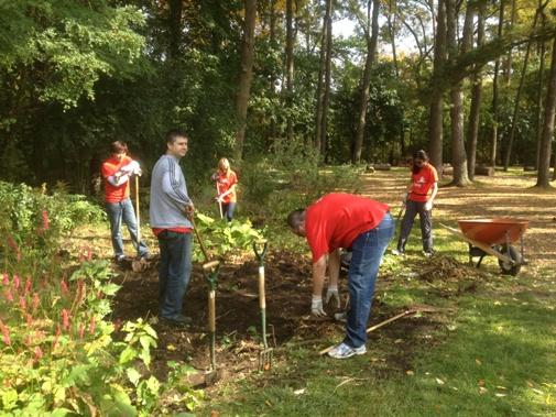 PwC Volunteer Team October 4, 2012 Teaching Garden