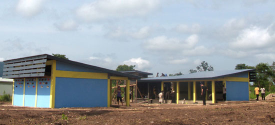 The school was built in modules so the structures can function even without other rooms.