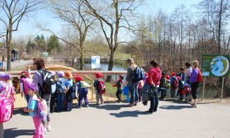School group on its way to the Tundra Trek exhibit at the Toronto Zoo.