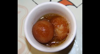 For dessert there was hot gulab jamun. Succulent and sweet, our reviewer enjoyed the gulab jamun.
