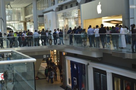 Lines outside Eaton Centre Apple Store to purchase iPhone 6S