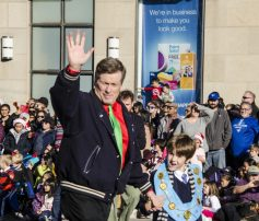 Mayor John Tory and his grandson get into the Christmas spirit.