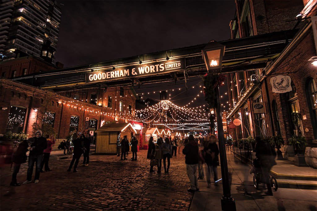 Toronto Distillery District Christmas (photo by Bruce Christie 2015)