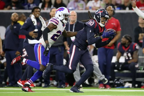 DeAndre Hopkins passes Andre Johnson in playoff receptions