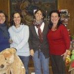 Madres del Colegio San Ignacio, colaborando en la preparación del rastrillo