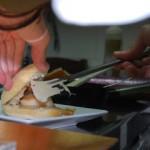 crujiente de vieira con salsa de coco
