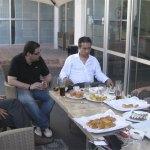 Los organizadores del Forum, transmiten la mala noticia a los directivos del Hotel Torrelodones