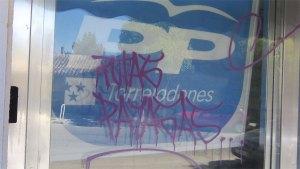 Pintadas en la sede del PP de Torrelodones