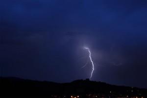 Tormenta sobre el Canto del Pico, Torrelodones  (foto: colaboración de Fernando del Rey)