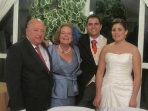 Jaime y Cristina con los padres del novio