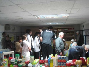 El Club Espacio Torrelodones visita la Residencia Santa María de los Ángeles