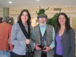 Rosa Rivet, Pedro Extremera y Penélope López en el Mercado de Arte de Torrelodones