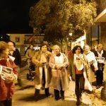 """Los trabajadores del Centro de Salud de Torrelodones,marchan desde el Ayuntamiento para comenzar el """"encierro"""" en su centro de trabajo"""