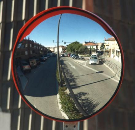 figura-1 Espejo Av. Valladolid, Torrelodones