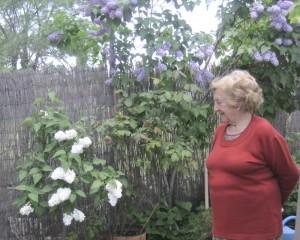 Cipriana, apasionada de las plantas, cultiva muchas especies comestibles y ornamentales