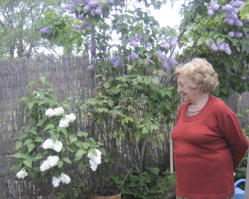 Cipriana Estévez, a sus 80 años dirige su Casa Rural