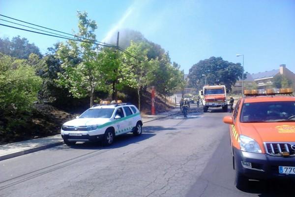 Incendio junto al cementerio de Torrelodones