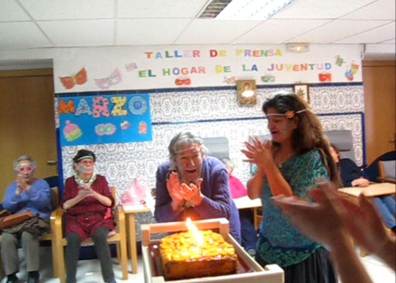 Los mayores celebran Carnaval en la Residencia Santa María de los Ángeles, de Torrelodones