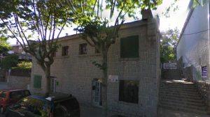Antiguas Casas de Maestros en la calle Javier García de Leániz 13 y 15.
