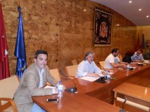De izquierda a derecha: Antonio Checa (UPyD), Javier Ros (acTÚa), Guzmán Ruiz-Tarazona (PP)