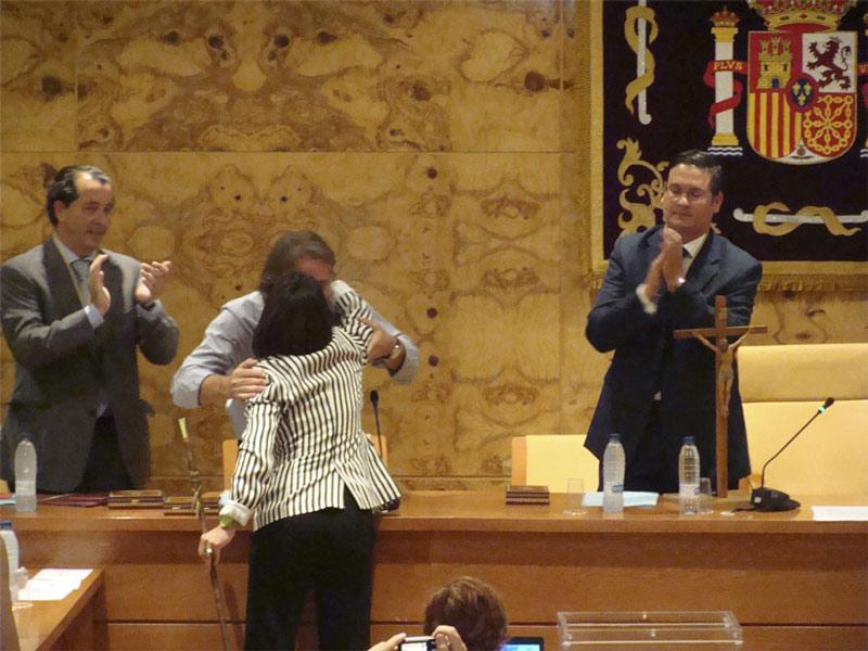 Rubén Díaz de acTÚa felicita a Elena Biurrun tras ser investida alcaldesa