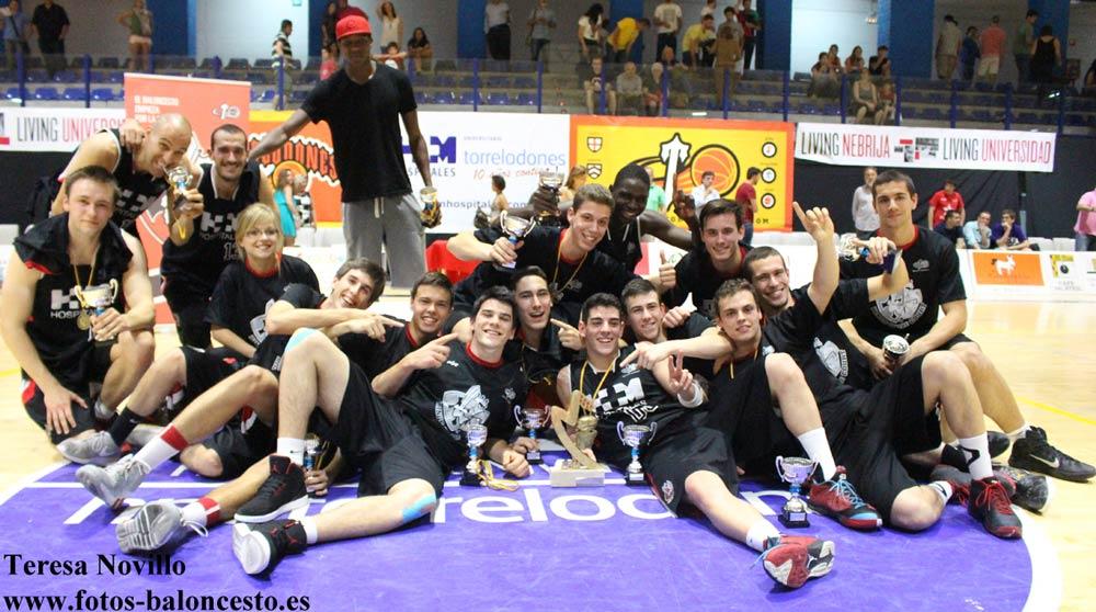 Baloncesto Torrelodones asciende a la liga EBA (Foto: Teresa Novillo)