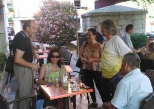 D. Francisco Diez (de pie a la izquierda), Marifé Sánchez y Luis Spell (sentados). De pie Karine Morel y Rubén Díaz, el nuevo presidente del TCF.