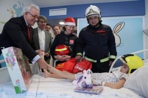 bomberos-hospitales-navidad-2