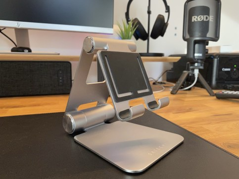 Review Satechi R1 - The only place you really need!