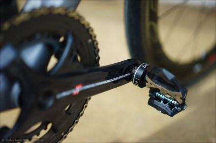 Favero BePRO Pedal an Campagnolo Super Record Kurbel. Der Super Record Schriftzug längs der Kurbel ist gleichzeitig eine Super Ausrichte-Hilfe für die Strichmarke der BePRO Pedale.
