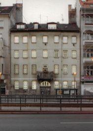 Torstraße 111, Neonröhren, Tagesansicht