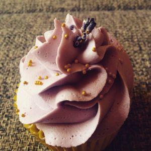 makos_citromos_cupcake_levendulas_vajkremmel_glazurshop