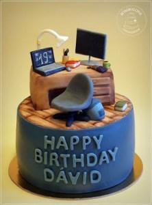 Iroasztal torta1_wm